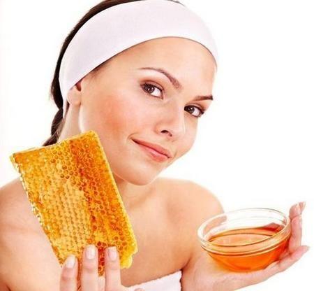 Как убрать красноту с помощью меда?