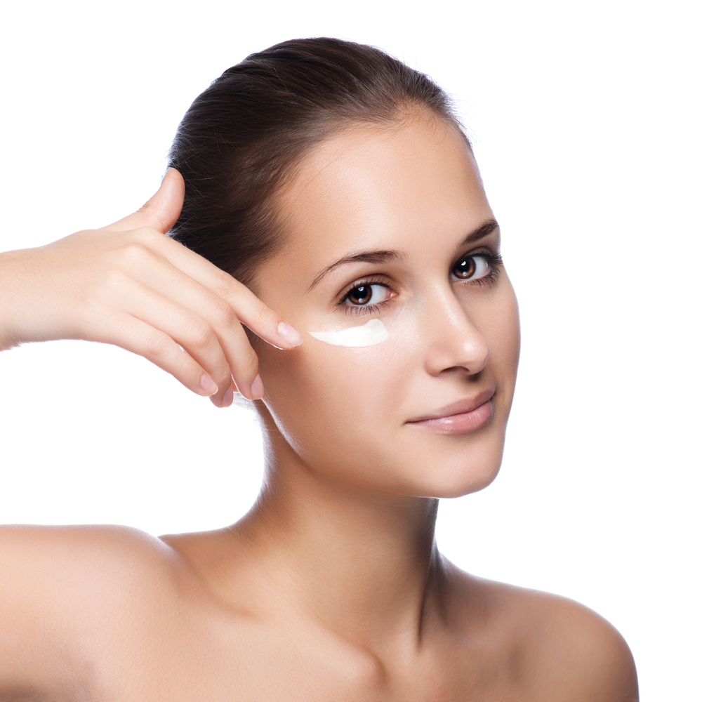 Синяки под глазами — причины и лечение, синяки у женщин