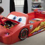 Идеи для детского подарка: машинки-кровати для мальчиков, сказочные кровати для девочек